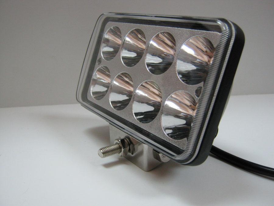 Фара светодиодная DC9-30V 24W 8LED emitter Bridgelux (spot) 6000K 150х65х90мм (WL-2324-1)